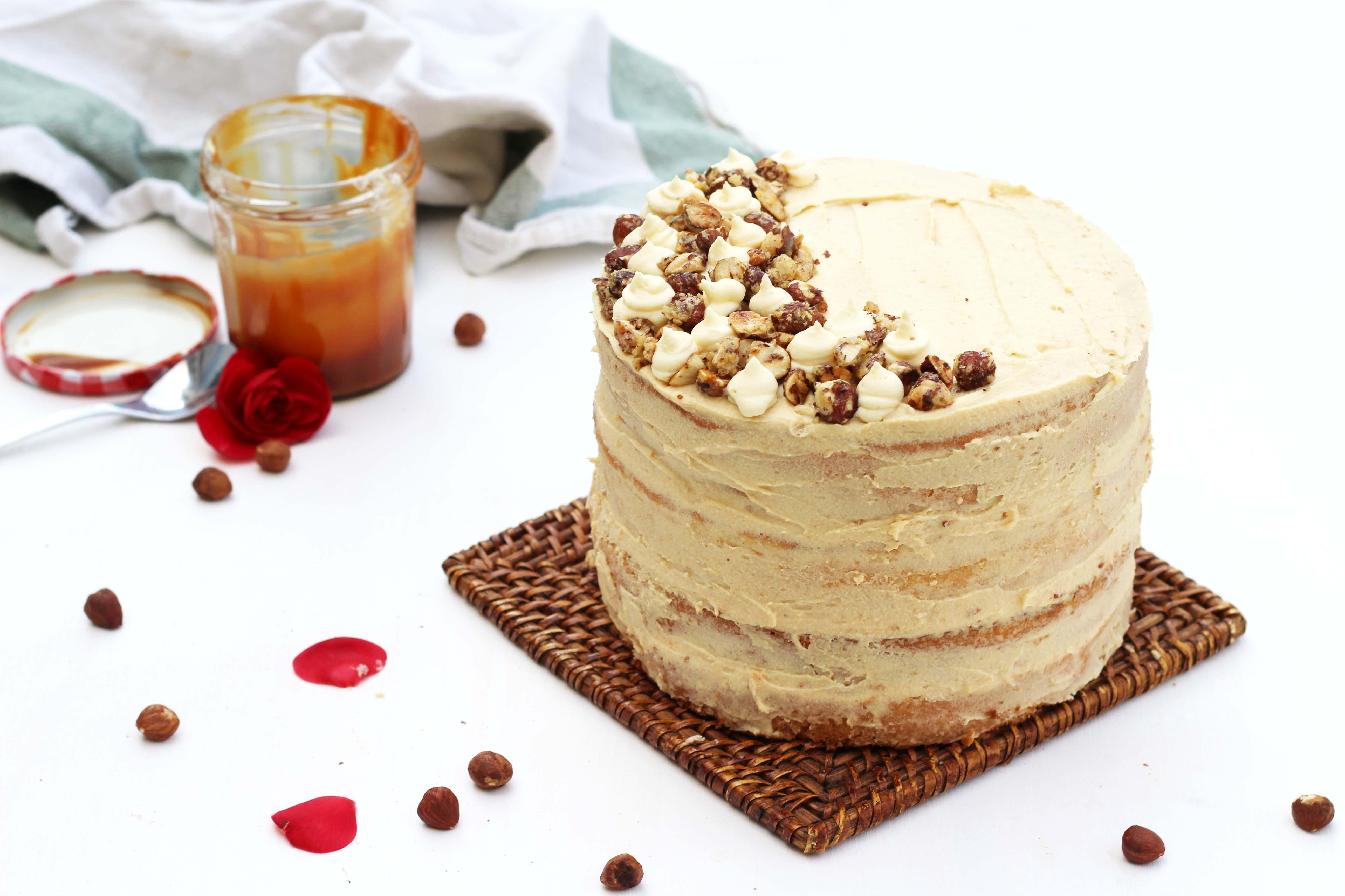 Lolocake (où quand tu laisses une amie donner un nom à ton layer cake au caramel au beurre salé)
