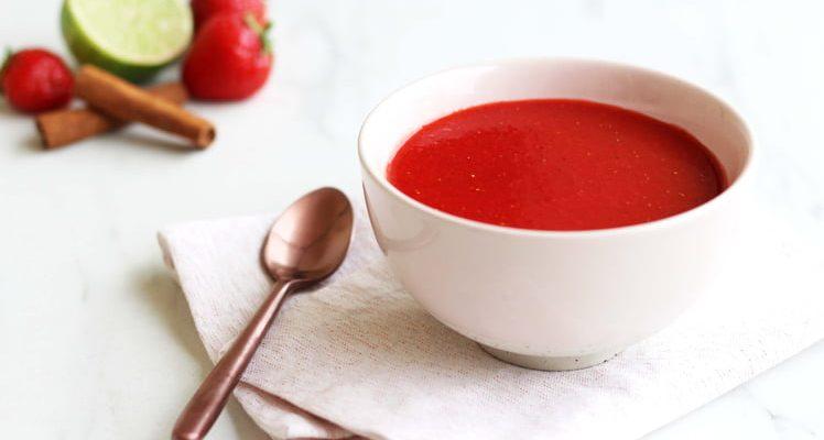 Soupe de fraise pimentée à la cannelle