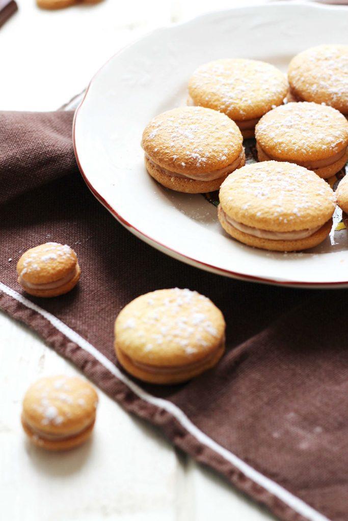 Biscuits légers fourrés au praliné 3