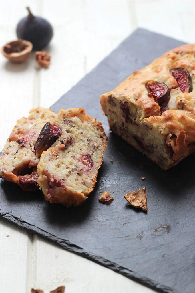Cake aux figue, oignons caramélisés et moutarde à l'ancienne 2