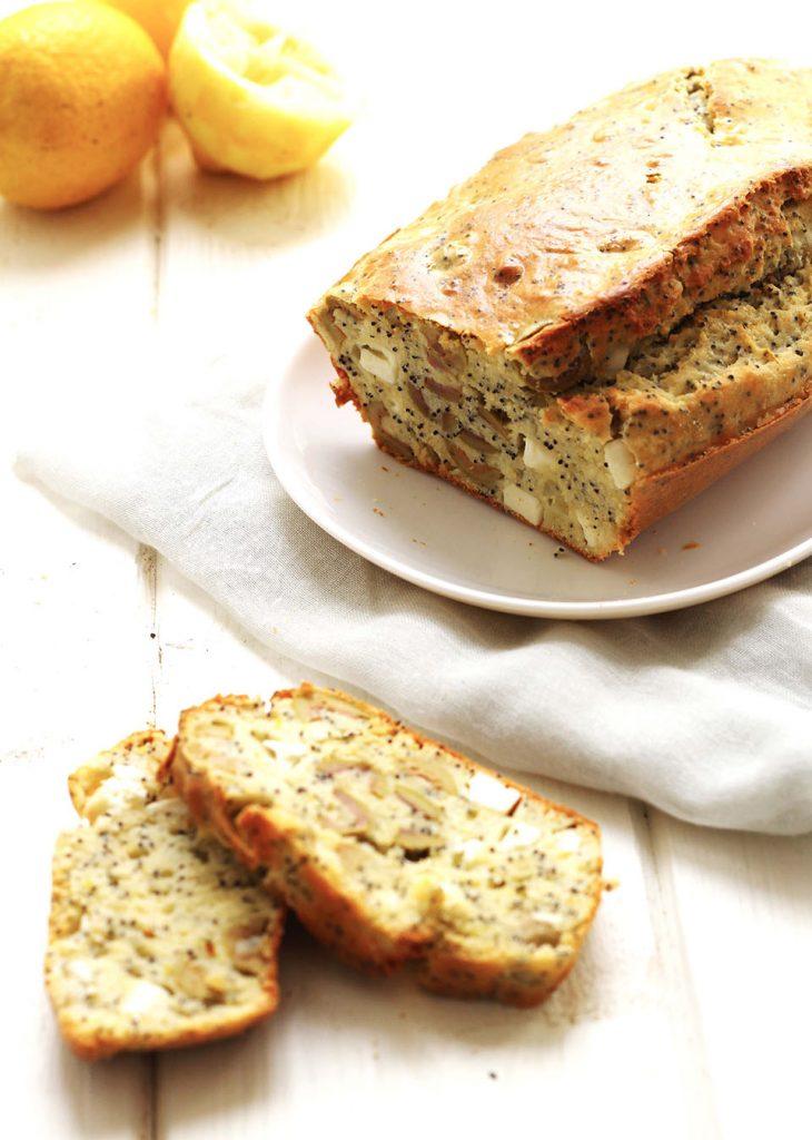 Cake aux olives, citron, pavot et feta 2