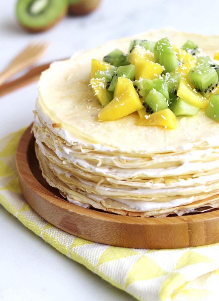 Gâteau de crêpes à la noix de coco, mangue et kiwi 2
