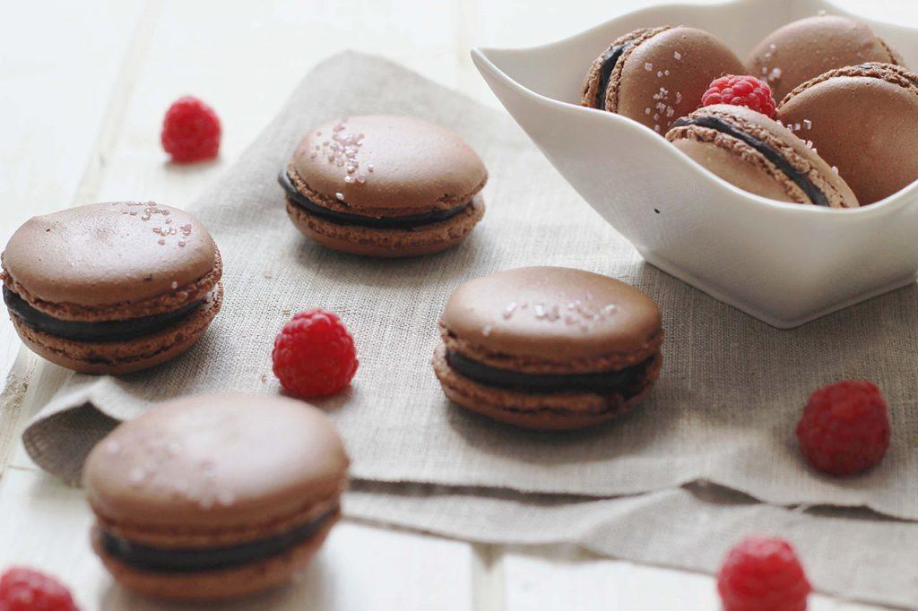 Macarons au chocolat et framboise 3