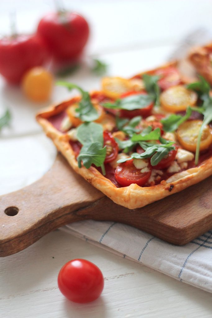 Tarte fine à la tomate et chorizo