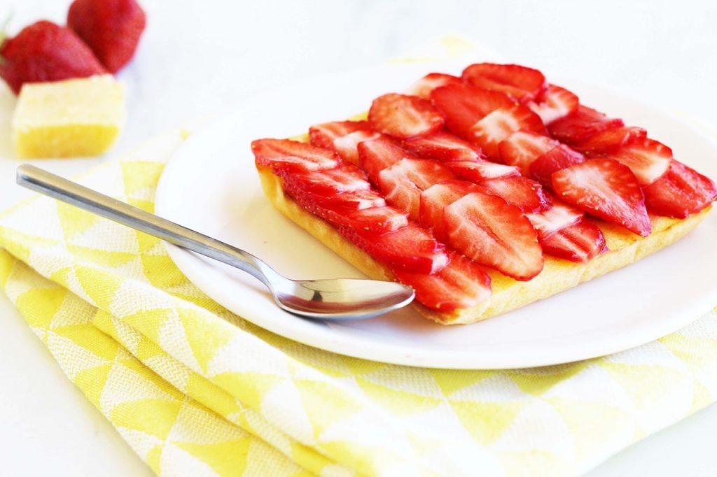 Fondant au citron et son lit de fraise 2