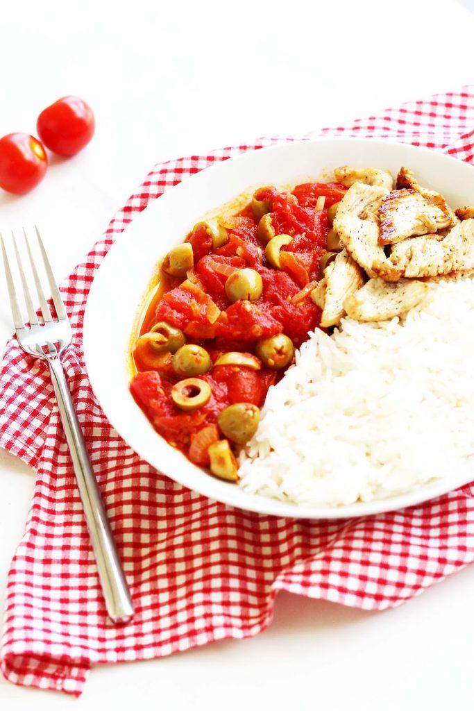 Poêlée de dinde à la tomate et olive