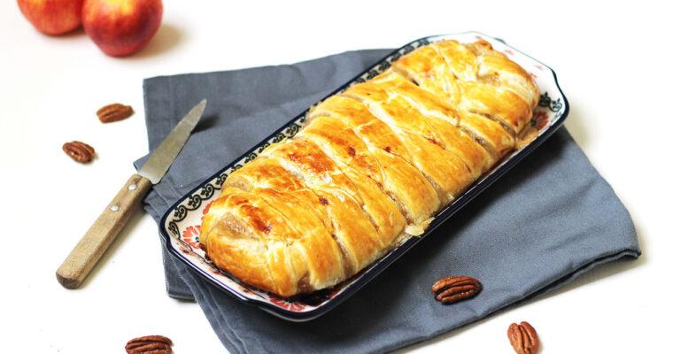 Tresse feuilletée aux pommes, sirop d'érable et noix de pécan