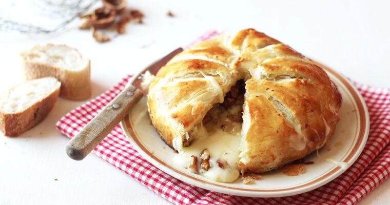 Camembert feuilleté aux noix et à l'oignon